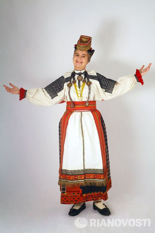 Russian national costume. The Collection Of Sergey Glebushkin.  Women's traditional costume of the Voronezh province.