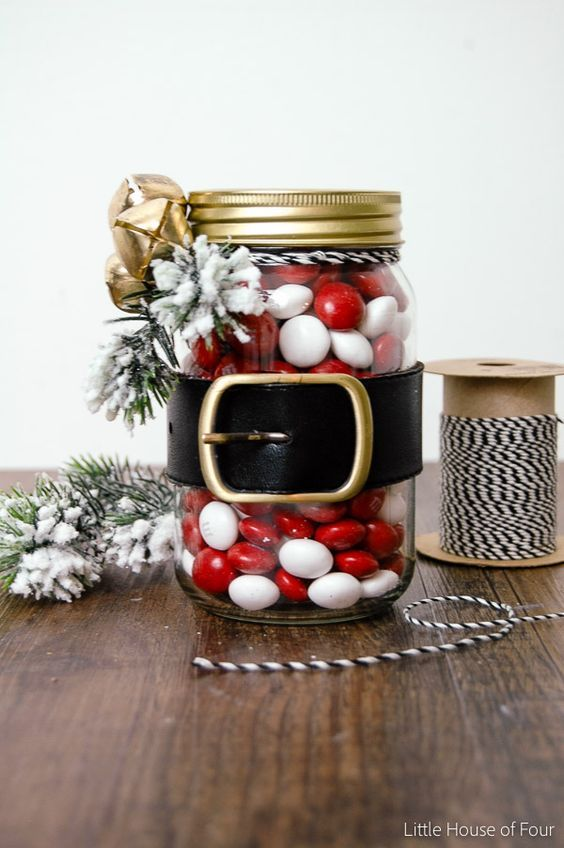 These adorable Santa belt jars are quick, easy and make the perfect gift!