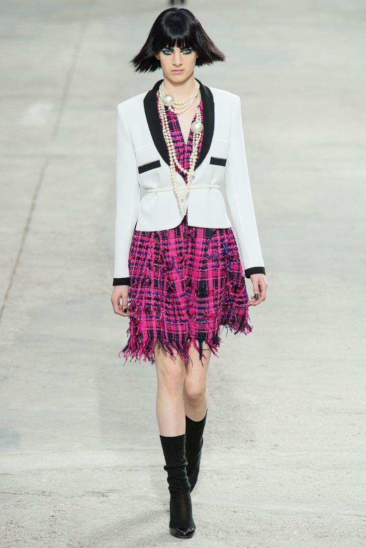 Chanel Spring 2014 Ready-to-Wear Fashion Show - Ashleigh Good