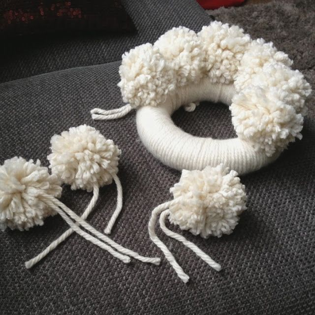 anthropologie christmas pom pom wreath tutorial