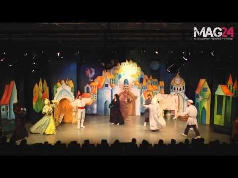 Ο Κουρέας της Σεβίλλης - Πλάνα από την παράσταση - YouTube