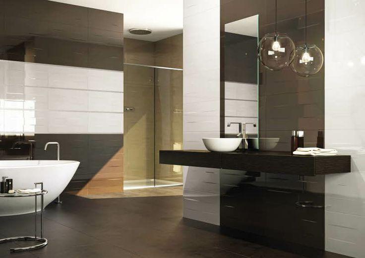 Luo tyylikkään eläväinen ilme kylpyhuoneeseesi yhdistelemällä erivärisiä Lambri-seinälaattoja. http://kauppa.varisilma.fi/ #kylpyhuone