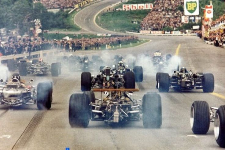 The start of the 1968 F1 Grand Prix of Spa Francorchamps looking towards the Eau Rouge.