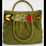 Bolso Qalan en verde, bordado a mano