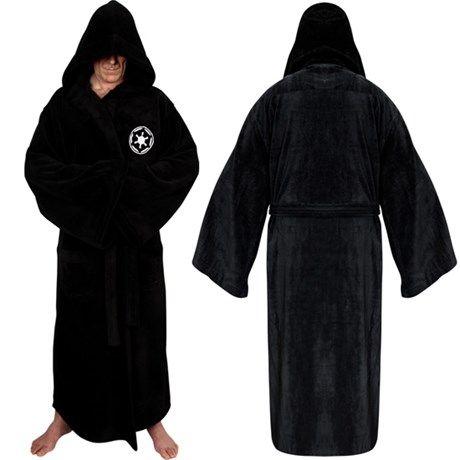 Badekåpen som forvandler deg  til den skremmende Darth ...