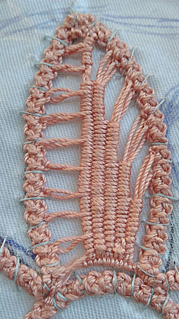 828 best Tape Lace Crochet images on Pinterest | Rumänische spitze ...