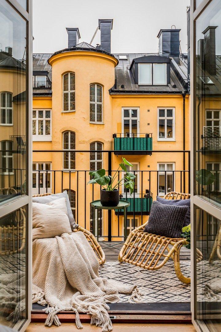 sofás tela sofás tapizados sofás negros Sofá de terciopelo negro muebles modernos Muebles Diseño muebles clásicos estilo escandinavo blog decoración nórdica