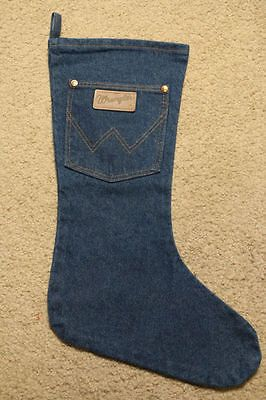 Cutest Crafts Made from Recycled denim: old jeans turned into a cute christmas stocking