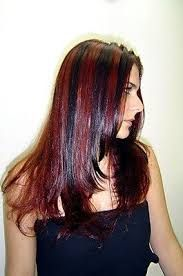 Resultado de imagem para luzes vermelhas no cabelo
