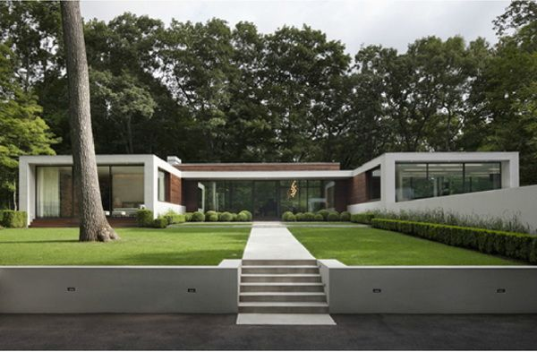 Modern White New Canaan Residence in Connecticut by Specht Harpman Architects