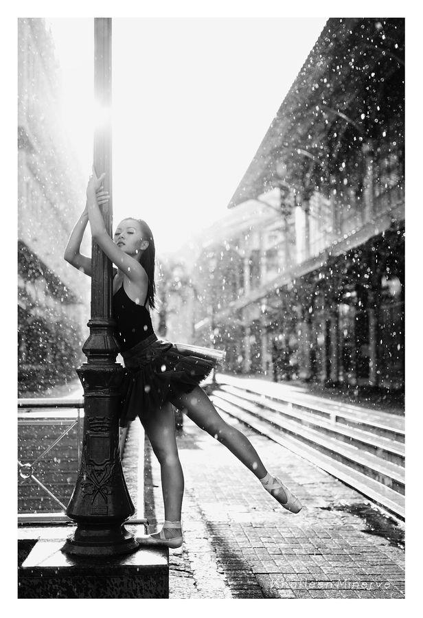 Street Ballerina - Khatleen Minerve