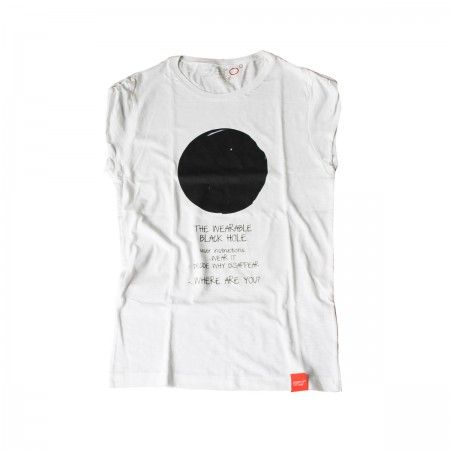 Lacrom - WOMAN - T-shirt 100% slub cotton t-shirt for women with augmented reality.  Download the free MARTES app, frame the t-shirt and the graphic will become animated.