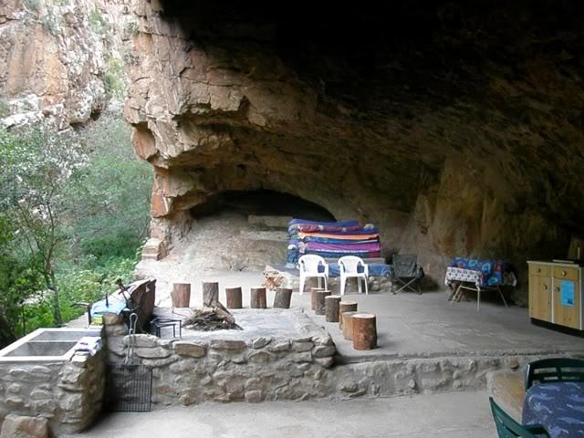 Bakkrans Cave-Baviaanskloof