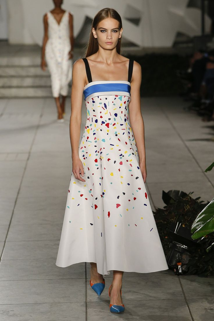 Carolina Herrera Spring 2018 Ready-to-Wear Fashion Show ...