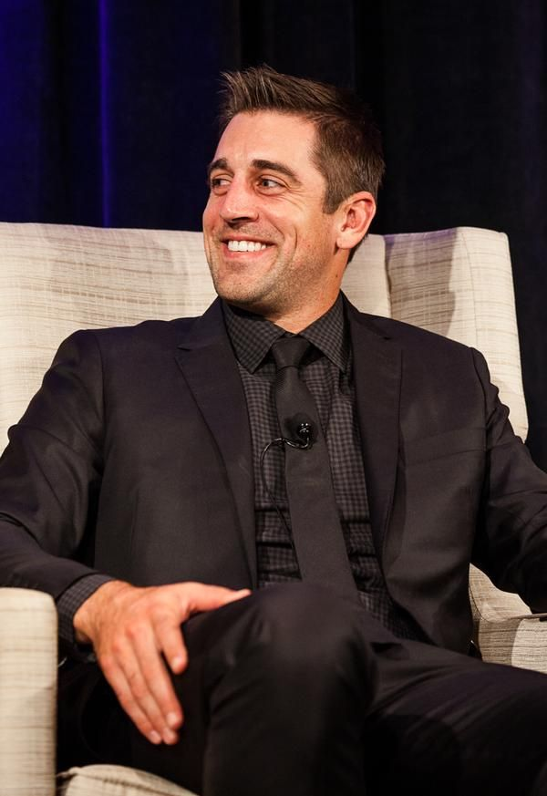 Not a beard but because its Aaron Rodgers and he's sporting light scruff, I'll allow it ♡♡