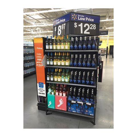 Risata now on display at the Walmart Supercenter in Murphy! An amazing Moscato d'Asti at a great price!!  #risata #lowprice #wine #walmart #murphy #texas #moscatodasti #sweet #wmtx #ntx #christakeswinephotos
