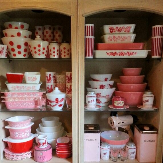 Pyrex Valentine's display