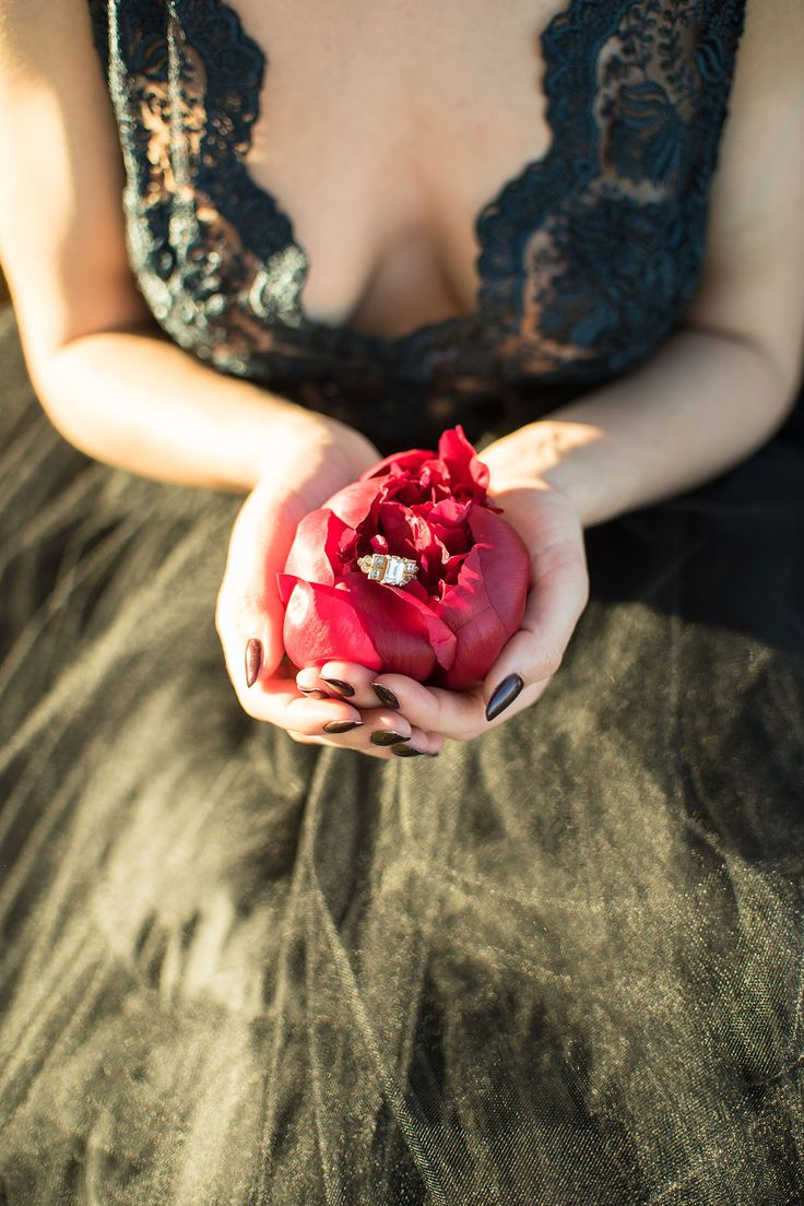 Black meets berry wedding shoot, published on The Perfect Palette. Verveine Studios detailed ring shot