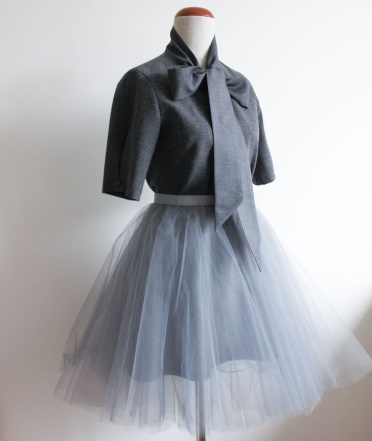 tiulówka, tuilowa spódnica, retro bluzka, bluzka z kokardą, krawiectwo, szycie na maszynie, wykroje burda, blog o szyciu, szycie ubrań, blog krawiecki