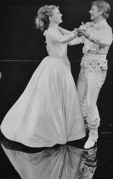 Sinead Cusack and Derek Jacobi as Beatrice and Benedict in Much Ado About Nothing, 1982.