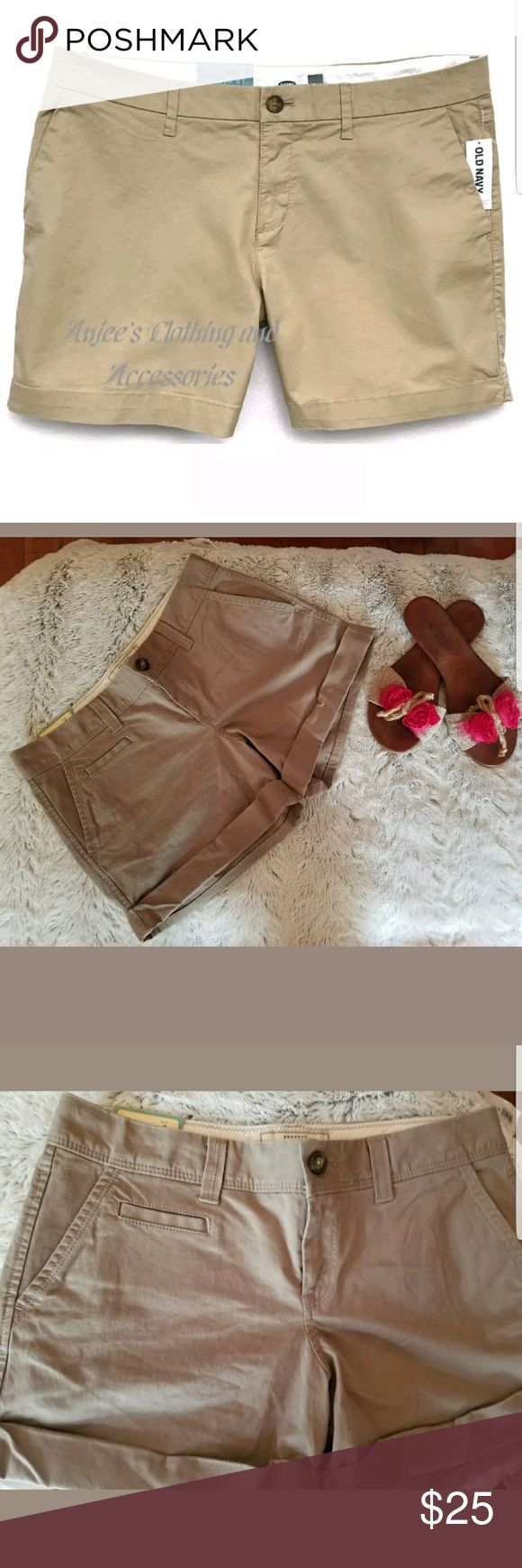 "NWT OLD NAVY Authentic Women's Mid Rise 5"" Inseam NWT OLD NAVY Authentic Women's Mid Rise 5"" Inseam Solid Shorts Size 4 Khaki Old Navy Shorts Cargos"