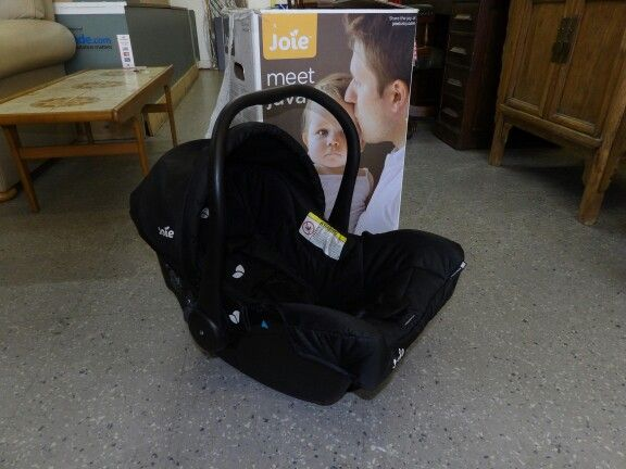 Joie car seat, Birth to 13kg, never used, came with box ------------------ £10 (pc991)