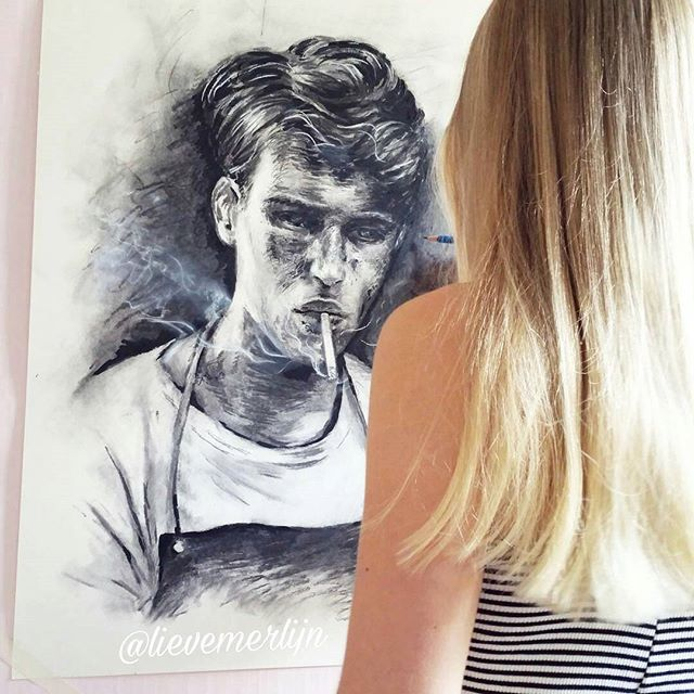Went for a swim Today  Now working on this handsome fellow ! (#dontsmoke) Référence picture by amazing photographer @tomhoops Model: @officiallouren _______ #drawing #handsome #man smoking #blonde #girl #blondehair #goals #brandy #brandymelville #charcoal #houtskool #tekening #swimming #blackandwhite #blackandwhitephotography #bnw #art #realism