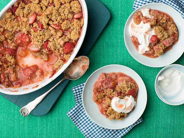 Giada lets simple ingredients, like homemade whipped cream and in-season berries, shine in her 4-Ingredient Strawberry Dessert.  #RecipeOfTheDayFood Network, Rhubarb Crisps Recipe, Foodnetwork Com, Strawberries Rhubarb Crisps, Rice Recipe, Foodnetwork Desserts, Anne Burrell, Fruit Desserts, Cake Recipes