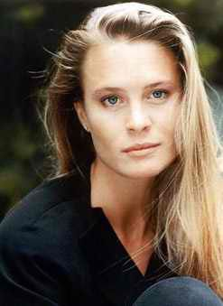 Robin Wright ... I need to capture this haircolour somehow