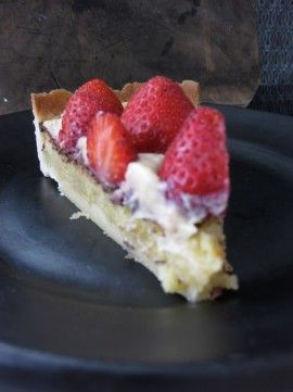 This is my all-time favorite cake - Mazarin cake with a cream and strawberries on top. Tastes like heaven!