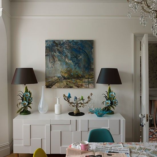 White and peacock blue dining room | Dining room decorating