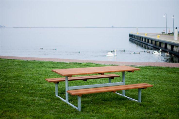 Ławostół drewniany. www.larslaj.pl #wood #outdoor #bench