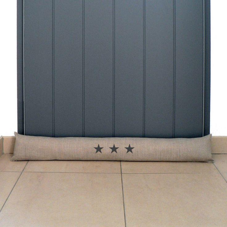 Boudin de porte en lin avec 3 étoiles peintes au pochoir.