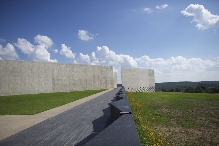 Fourteen years after the 9/11 attacks, a national memorial opens at the crash site of Flight 93. The $50m visitor center designed by Paul Murdoch commemorates the 40 passengers and crew who died near Shanksville, Pennsylvania