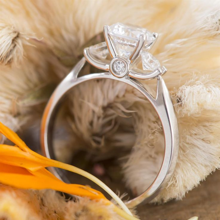"""The glamorous gift of a Scott Kay Engagement Ring brings exuberant joy with just one look.  How will you """"Skatell Her"""" this holiday season? #SkatellsGreenville   Style number: M0722"""