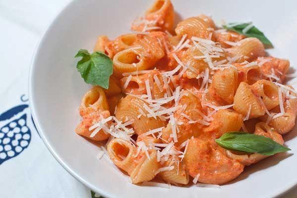 Как приготовить паста со сливочным соусом - рецепт, ингридиенты и фотографии