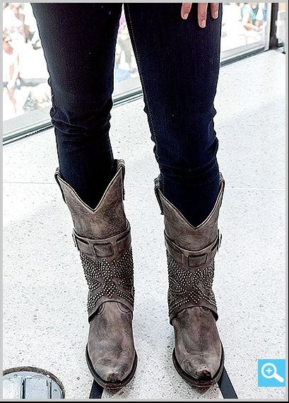 I NEED THESE BOOTS!!!  WANTED old gringo GRAY LOLA in size 8!!!!! Miranda Lambert's boots love em'! - Miranda at Extra's New York studios in Times Square on June 26.