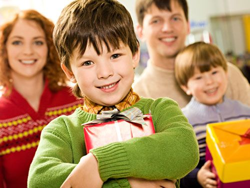 Many of us get caught up in the hustle and bustle during the Christmas season as we rush around decorating, planning, shopping, attending church and school plays and our local Christmas parades.  For families that are struggling to make ends meet, the holidays can be one of the most difficult times of the year, especially for those with young children. Here are 5 ways to make a difference for a child this holiday season.