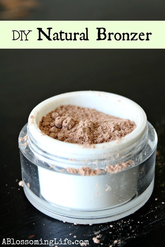 DIY Homemade Bronzer Ingredients: Arrowroot powder or organic cornstarch Cocoa powder Cinnamon Beet powder (optional) Directions: Start with 1 Tbs of cornstarch or arrowroot powder and then mix in small amounts of the other ingredients