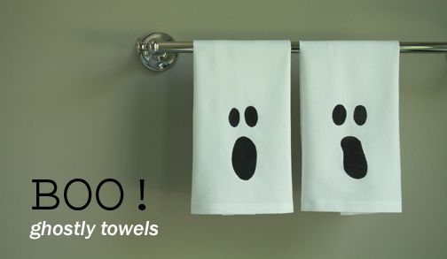 ghostly-towelsHoliday Ideas, Halloween Parties, Halloween Decor, Diy Gift, Halloween Crafts, Hands Towels, Halloween Ideas, Halloween Towels, Ghosts Towels