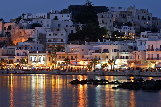 Naxos: The rolling fertility of this mountainous and well-cultivated island, its renown produce & the sandy beaches, make this island a classic choice for many tourists. #FiveStarGreece #LuxuryVillas #HolidayMatchmakers