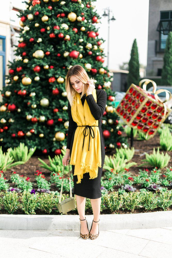 A Holiday Outfit with @oasisfashion   | #LightUpMyStreet | Sweater Dress look
