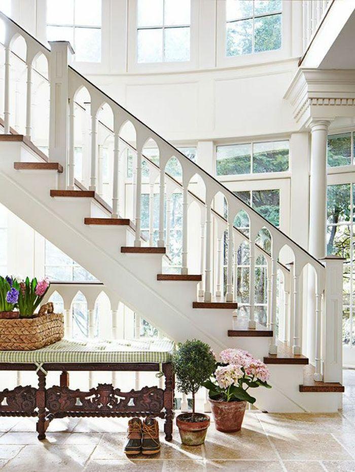 rampe descalier en bois blanc, rampe escalier design en bois ...