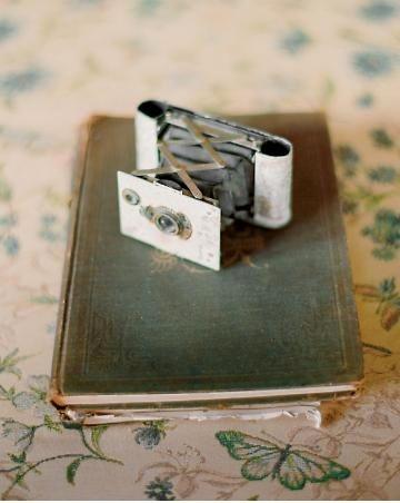 Mini camera: Beautiful Cameras, Inspiration, Stuff, Vintage Cameras, Wedding, Antique Cameras, Photography, Dressing Room