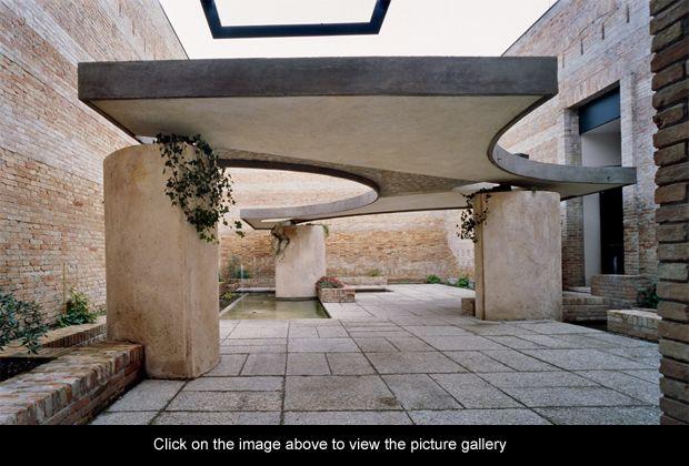Book Pavilion, entrance and Italian pavilion courtyard, Biennale, Venice, 1951-52