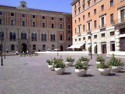 Roma San Silvestro #Bellitalia planters marble
