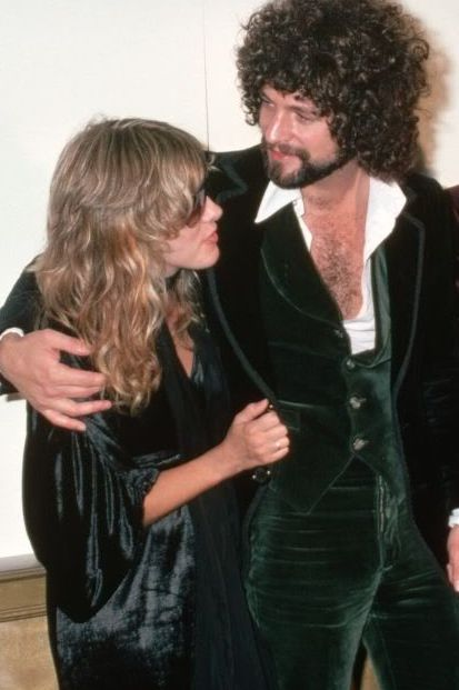 """Stevie Nicks & Lindsey Buckingham---Their """"On The Rocks"""" Love Affair Fueled Many of the Hits On Their Fleetwood Mac's Breakthrough Album, """"Rumours""""--But, By The Time They Were #1, It Was Splitsville...""""Silver Springs"""", Indeed!!"""