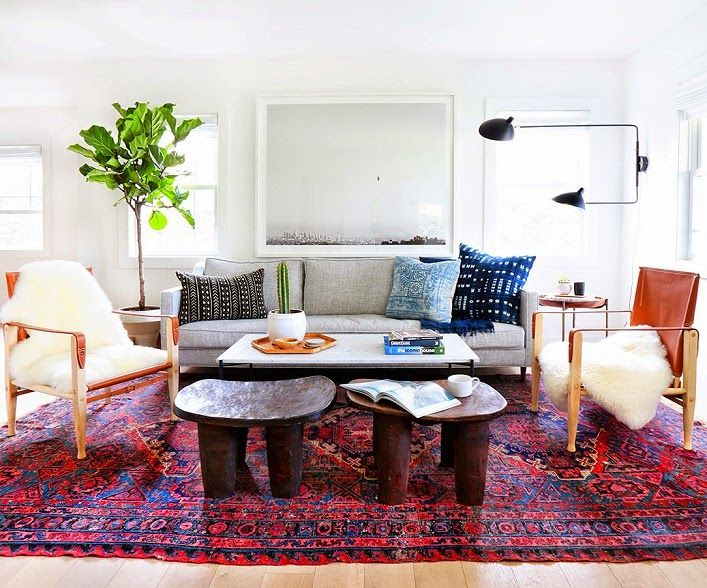 This gorgeous three-bedroom California home is designed by Amber Lewis of Amber Interiors for a young professional couple. The results? A fresh and modern abode with warm, global accents! Let's check