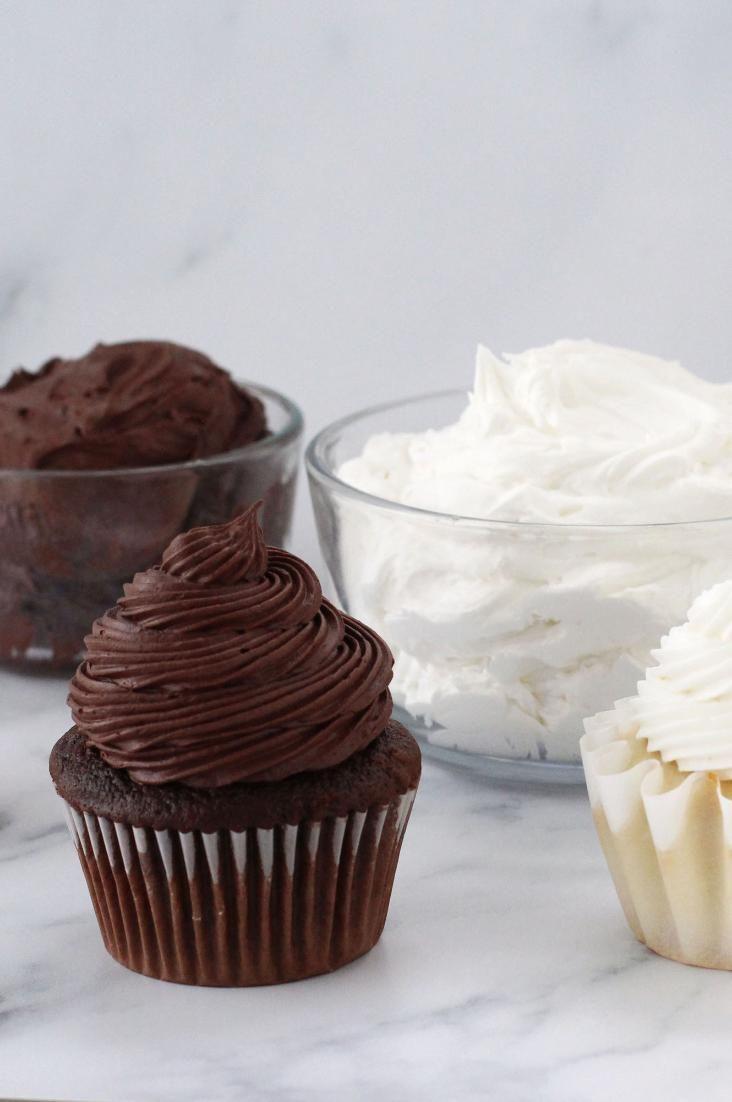Ce #Chocolat et #Vanilla #Marshmallow #Gross et léger peut être fait …   – Frosting Recipes
