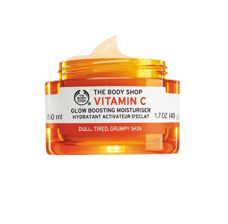 Pożegnaj poszarzałą, zmęczoną skórę, z naszym żelowym kremem nawilżającym Vitamin C. Nakładaj go każdego ranka, a poczujesz: ZWIĘKSZENIE BLASKU, ODŻYWIENIE, NAWILŻENIE.